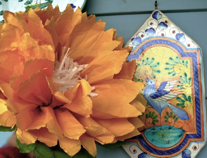 Boom make paper flowers theyre big bodacious decorative pollen free and fun to make paper napkin flowers mightylinksfo